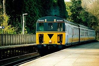 British Rail Class 207 - Image: 207202 at Hurst Green