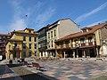 214 Plaza del Carbayo (Sabugo, Avilés), angle nord-oest.jpg