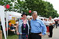27.06.2009 Werner Faymann auf dem Wiener Donauinselfest (3670538465).jpg