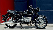 1967 BMW R60/2 with 6.5US gallon (26liter) tank and large dual saddle
