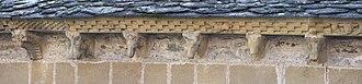 Modillion - Image: Abbaye Ste Foy à Conques (25) Frises et corbeaux du chevet