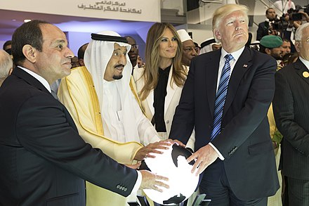 U.S. President Donald Trump and First Lady Melania Trump with King Salman bin Abdulaziz Al Saud and the President of Egypt, Abdel Fattah Al Sisi, 21 May 2017 Abdel Fattah el-Sisi, King Salman of Saudi Arabia, Melania Trump, and Donald Trump, May 2017.jpg
