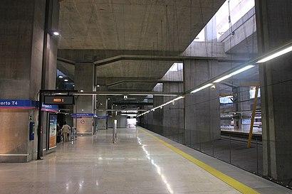 Cómo llegar a Aeropuerto T4 en transporte público - Sobre el lugar