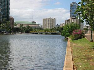 Ala Wai Canal - The bank of the Ala Wai