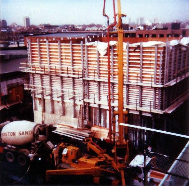 Alcator C-Mod cell concrete pour