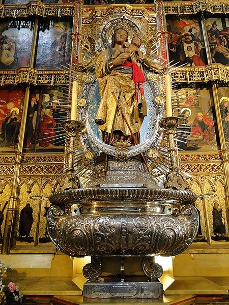 Archivo:Almudena Cathedral 05.jpg