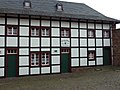 Alpenvereinshütte an der Nideggener Burg - panoramio.jpg