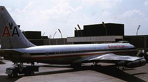 English: American Airlines Boeing 707 N7574A c...