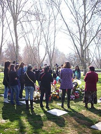 Parque del Recuerdo (Chile) - Commemoration of the first anniversary of the death of television presenter Felipe Camiroaga at Parque del Recuerdo Américo Vespucio