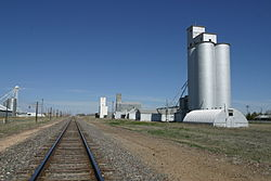 Anton Texas Boothe Elevators and Rail 2010.jpg