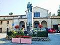 Arcevia monumento ai caduti GG e ingreso parco.JPG