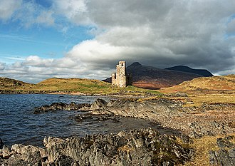 Clan MacLeod of Lewis - The ruined Ardvreck Castle, on Loch Assynt in Sutherland. The castle, built by the Macleods, dates from the 16th century.
