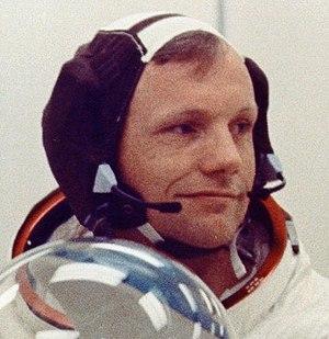 Snoopy cap - Image: Armstrong Spencom 01