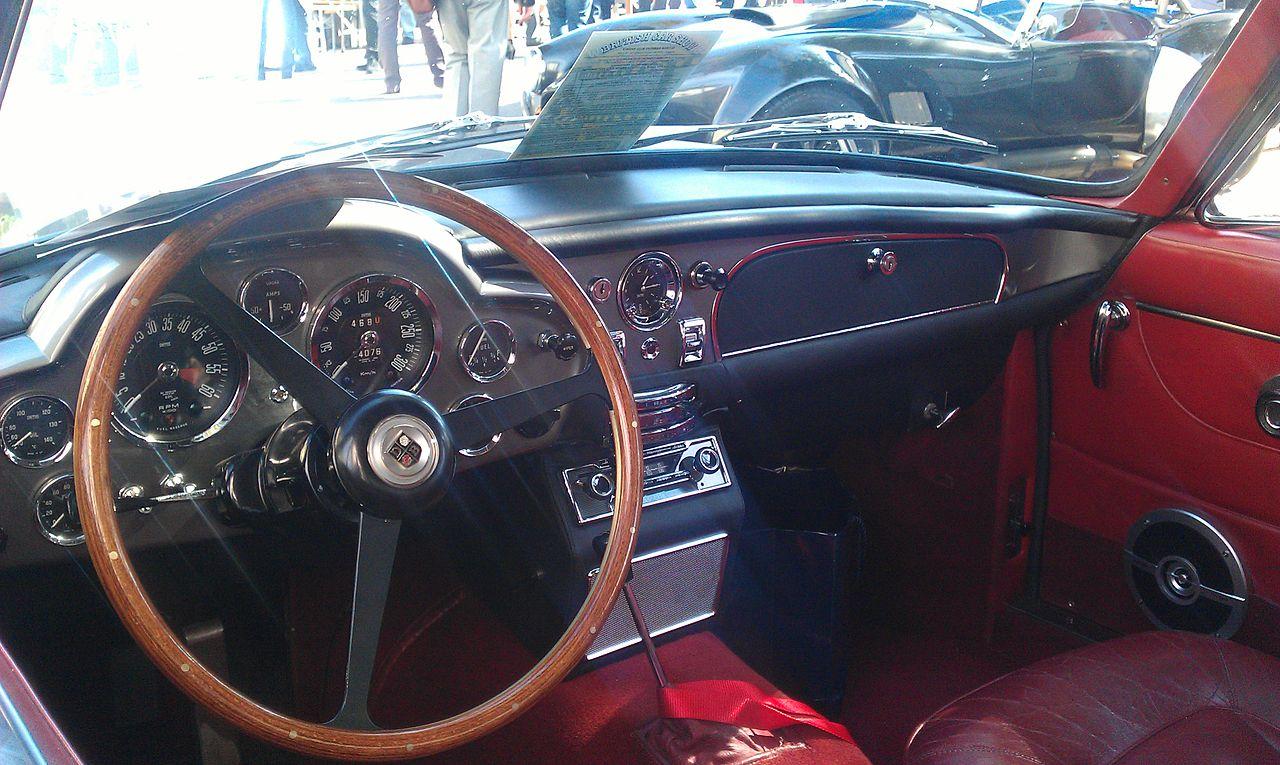 File Aston Martin Db6 Vantage In Morges Interior 2 Jpg Wikimedia Commons