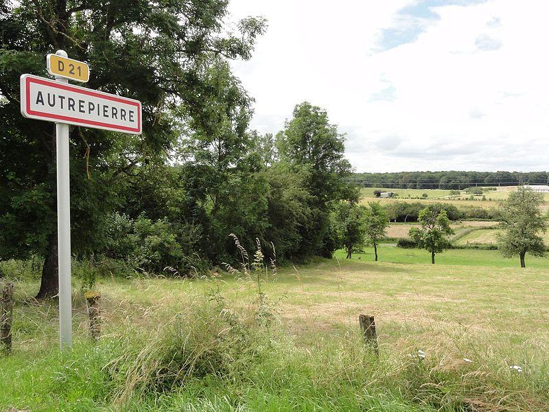 Autrepierre (M-et-M) city limit sign