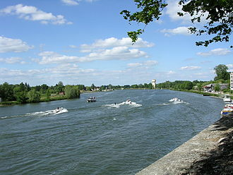Auxonne - Water sports on the Saône