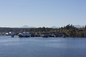 English: Bainbridge Island, viewed from the fe...