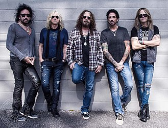 The Dead Daisies - Image: Band photo 2017