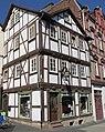 Barockes Fachwerkhaus eines Schumachers nach 1648 erbaut mit Jugendstil Ladeneinbau - Eschwege Obermarkt - panoramio.jpg