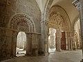 Basilique Sainte-Marie-Madeleine de Vézelay PM 46648.jpg