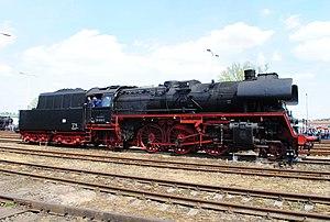 DR Class 23.10 - Image: Baureihe 23.10 35 1019 5 Wolsztyn 05.16 056
