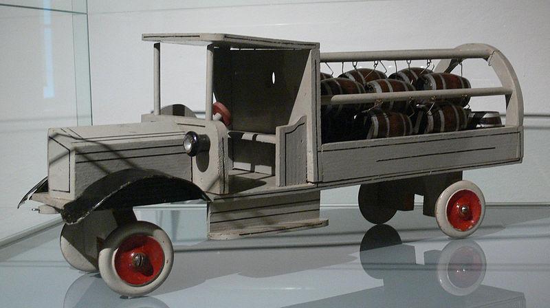File:Bierwagen ÖMV.jpg