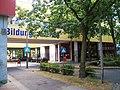 Bildungscentrum Steilshoop,rechts AGDAZ - panoramio.jpg