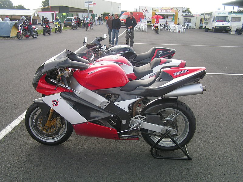 Bimota HB4 moto 2 et HB8 800px-Bimota_SB8R