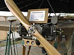 Blériot XI sous abri - moteur.jpg