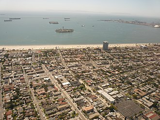 Bluff Park, Long Beach, California - The neighborhoods of Bluff Park and Bluff Heights in Long Beach, California, looking to the southwest. Bluff Park is in the middle portion of the image near the shoreline, with Bluff Heights in the lower part of the image.