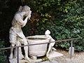Boboli, Fontana dell'Uomo che scarica il secchio in un tino 01.JPG