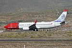 Boeing 737-8JP(w) 'LN-NOX' Norwegian (24433979419).jpg