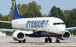 Boeing 738 Ryanair LKPD.jpg