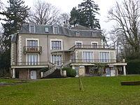 Bois-le-Roi mairie 1.jpg