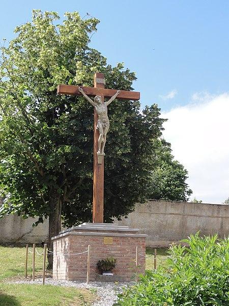 Braye-en-Thiérache (Aisne) croix de chemin