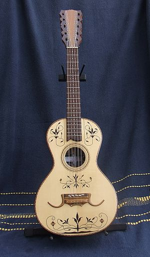 Viola caipira - Traditional viola caipira with fine marquetry work