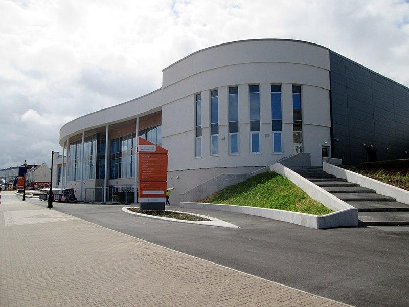 File:Bridlington Leisure Centre.jpg