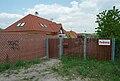 Brno-Ivanovice - vrata do uzavřené Fedrovy ulice.jpg