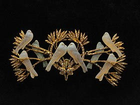 Brooch by Rene Lalique, given by the people of Paris to Edith Wilson, 1919 - National Museum of American History - DSC06303