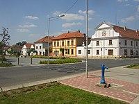 Brozany nad Ohri CZ square NE side 184.jpg