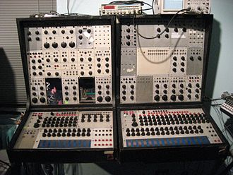 Don Buchla - Image: Buchla 100 series at NYU