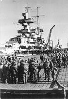 """Bundesarchiv Bild 101II-MW-5607-32, Unternehmen """"Weserübung"""", """"Admiral Hipper"""""""