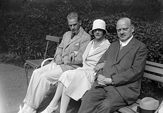 Gustav Stresemann - Stresemann in September 1929 shortly before his death with his wife Käthe and son Wolfgang