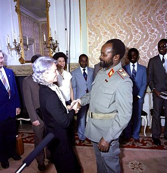 Samora Machel - Machel meeting Margot Honecker in Berlin, 1983