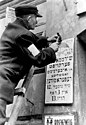 Bundesarchiv Bild 183-L25514, Polen, Ghetto einer Stadt.jpg
