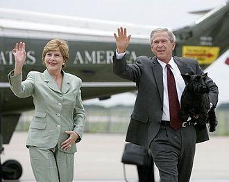 TSTC Waco Airport - George W. Bush, Laura Bush, and Barney at the airport