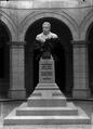 Busto de Manuel Bento de Sousa, médico e professor, da autoria de Teixeira Lopes (Alberto Carlos Lima)2.png