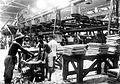 COLLECTIE TROPENMUSEUM Wringerbatterij in de fabriek van N.V. Mexolie (Maatschappij tot Exploitatie van Oliefabrieken) te Keboemen Java TMnr 10014142.jpg