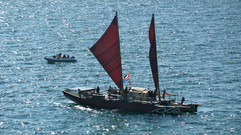 File:Canoe with sail at Festival of Sail 2011.jpg