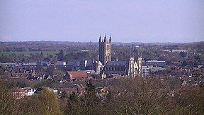 Canterbury Cathedral from University of Kent.JPG